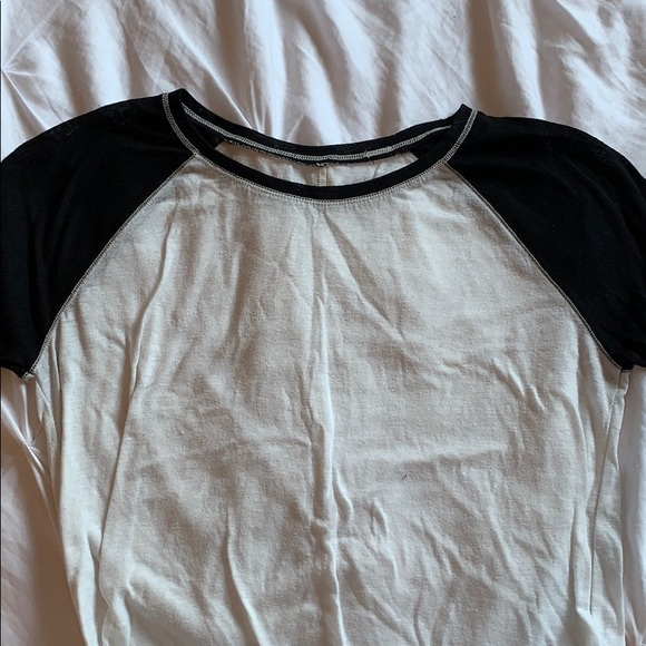 BDG Tops - black and white t shirt